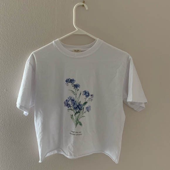 Brandy Melville Tops - brandy melville forget me not top